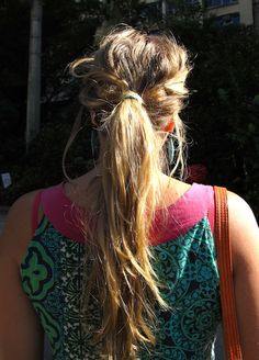 http://www.collegefashionista.co.uk/school/view/pontificia/all_about_beauty_messy_pony#
