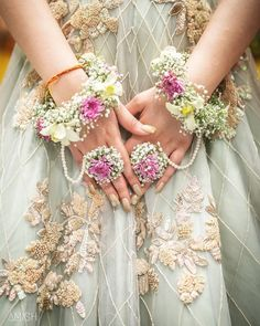 Floral jewellery adorns the beauty of a bride. Floral jewellery by Indian Wedding Jewelry, Indian Bridal, Indian Weddings, Indian Jewelry, Rustic Weddings, Flower Jewellery For Mehndi, Flower Jewelry, Bridal Jewellery, Mehndi Flower