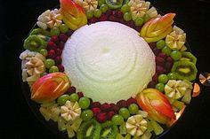 Joghurt – Bombe Yoghurt – bomb, a good recipe from the category dessert. Frozen Fruit, Frozen Desserts, Frozen Yogurt, Fruit Recipes, Sweet Recipes, Dessert Recipes, Cooking Recipes, Winter Desserts, Spaghetti Eis Dessert