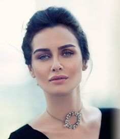 Birce Akalay is one of the most famous and popular actresses in Turkey and abroad. Her bright eyes and charming smile, draw all the more . Turkish Women Beautiful, Turkish Beauty, Hottest Female Celebrities, Celebs, Pretty People, Beautiful People, Straight Eyebrows, Persian Beauties, Pakistani Dresses Casual