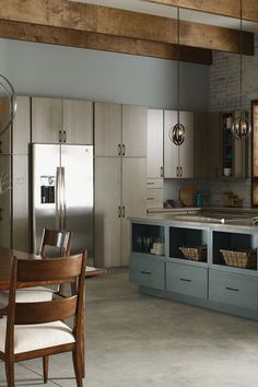 Best kitchen lighting - When it comes to a kitchen lighting design, the options should be creative as well as functional. An effective lighting plan Small Kitchen Lighting, Kitchen Lighting Design, Kitchen Lighting Fixtures, Kitchen Design, Kitchen Decor, Kitchen Ideas, Kitchen Inspiration, Color Inspiration, Light Fixtures