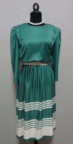 1980s Green with White Polka Dots Polyester Dress by Lenore S Size XL #LenoreS #1980s #polkadots #vintage #ceelostintime