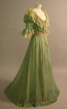 1906-08 evening dress