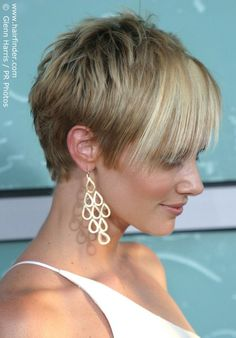 Marley Shelton's pixie cut (with longer hair in front)