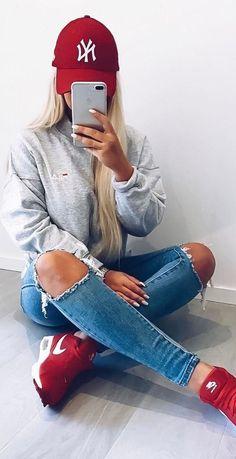 ootd sweatshirt + rips