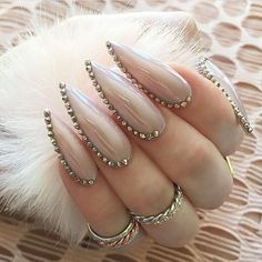 30 Great Stiletto Nail Art Design Ideas - The most beautiful nail models Stiletto Nail Art, Nude Nails, Acrylic Nails, Neutral Nails, Fabulous Nails, Gorgeous Nails, Pretty Nails, Bling Nails, My Nails