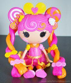 Lalaloopsy Stretchy Hair Doll Review at artsyfartsymama.com #Lalaloopsy #StretchAcrossUSA