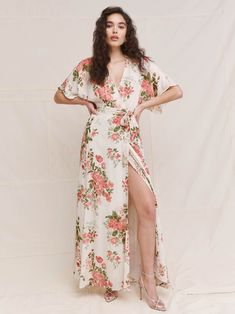 Wondering what to wear to a spring wedding? We've got all the 2021 trends and 50 spring wedding guest dresses to get you started. What To Wear To A Wedding, How To Wear, Wedding Guest Style, Made Of Honor, Spring Wedding, Get Dressed, Pretty Dresses, Dress To Impress, Wrap Dress
