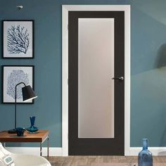 Pre-finished Pattern 10 Shaker Oak - Coloured Door - Obscure Glass - Lifestyle Image.    #staineddoor #coloureddoor
