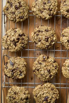 Vegan + Gluten Free Turtle Oatmeal Cookies with Pecans, Chocolate, and Medjool Dates — Oh She Glows Turtle Cookies, Vegan Christmas Cookies, Cookies Vegan, Christmas Baking, Biscuits, Salted Chocolate, Chocolate Chips, Vegan Treats, Oatmeal Cookies