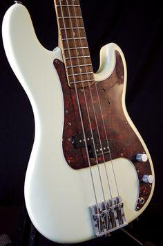 fender bass guitar 1972 precision | Vintage 1972 Fender Precision Bass Guitar Antique White Refin GRLC818