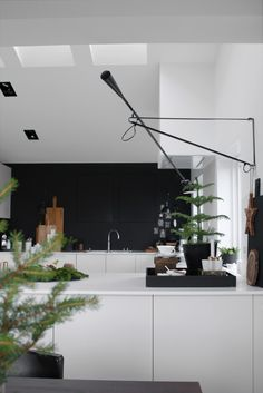 Exuberant contacted kitchen remodel tips learn this here now Home Interior, Kitchen Interior, New Kitchen, Kitchen Decor, Kitchen Design, Kitchen Black, Scandinavian Kitchen, Nordic Kitchen, Cuisines Design
