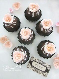 Elegant rose cupcakes