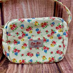 Cath Kidston Kids London Designer Bag Purse Handbag Shoulder Floral Pattern NEW Cath Kidston, Purses And Handbags, Floral, Lunch Box, Ebay, Shoulder Bag, London, Pattern, Design