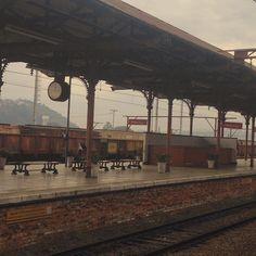 Toda vez que entro nessa estação sinto que viajei no tempo  #timetravel #viagem #train #jundiai #noplacelikehome #instasqd #blogsdaliga #estaçao #trainstation #cptm