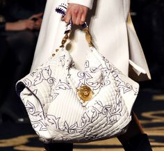Love this handbag!!!