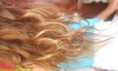 How to lighten up your hair NATURALLY.. Works 100% :) XO♥ ♥ FOLLOW ♥ Instagram : http://instagram.com/dajana248 Facebook :…