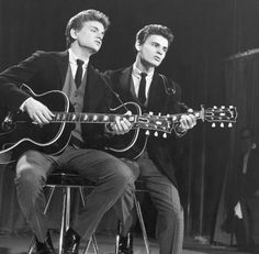 Probably would've been obsessed with The Everly Brothers back in the 50's- 60's <3