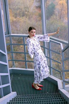 VivienMihalish / Bavlnené kvetované zavinovacie šaty My Style, Clothes, Fashion, Outfits, Moda, Clothing, Fashion Styles, Kleding, Outfit Posts