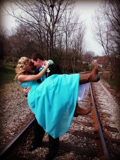 country prom picture ideas for couples Prom Pictures Couples, Homecoming Pictures, Prom Couples, Prom Photos, Cute Photos, Couple Pictures, Prom Pics, Group Pictures, Fall Photos