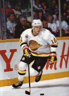 Pavel Bure (Russia) of Canucks days Ice Hockey Teams, Hockey Games, Hockey Stuff, San Jose Sharks, Vancouver Canucks, Nascar, Canada Hockey, Hockey Pictures, Canadian Boys