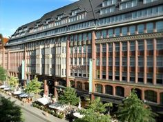 Apartment Residences at Park Hyatt Hamburg Hamburg Offering a wellness centre and indoor pool, this accommodation features elegantly decorated apartments with free Wi-Fi. The property is located just 400 m from Hamburg Main Station.