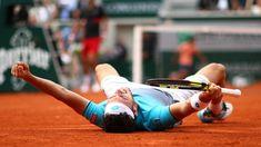 La gioia di Marco Cecchinato dopo aver battuto Djokovic ai quarti di finale (Roland Garros 2018)