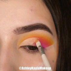 Eye Makeup Steps, Eye Makeup Art, Smokey Eye Makeup, Skin Makeup, Eyeshadow Makeup, Creative Eye Makeup, Colorful Eye Makeup, Simple Eye Makeup, Maquillage On Fleek