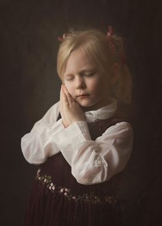 #fotomalarstwo #fotograf_szczecin #sobota_fotografia #naturallight #portrait #girl #childrenphotography #indoorsession