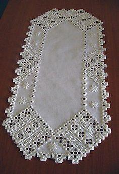 Magical little hardanger embroidered tablerunner in white