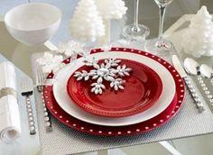 Elegant Christmas table ideas Christmas dinner table setting white red silver