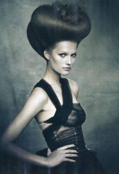 Vogue Italia November 2009- A very stylish portrait (from Beauty Supplement)