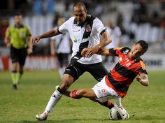 Vasco e Flamengo fecharam a 18ª rodada do Brasileiro no Engenhão  Foto: Mauro Pimentel/Terra