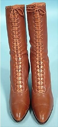 1916  O'Neill, Baltimore Calfskin Leather Lace-up Boots Trimmed in Scalloped Tan Leather