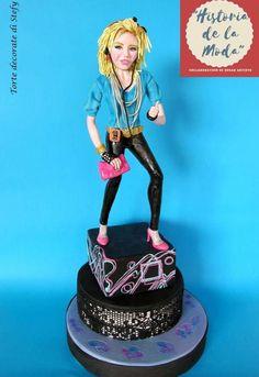 """Claudia""-Historia de la moda collaboracion - cake by Torte decorate di Stefy by Stefania Sanna Cake Models, Fun World, Character Modeling, Cold Porcelain, Gum Paste, Clay Creations, Cake Toppers, Cake Decorating, Princess Zelda"
