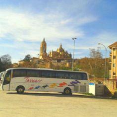 Autobus de 54 plazas en excursion por Salamanca