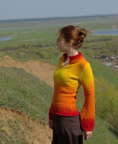 kauni pullover, sadly there is no pattern for this however ^ Pretty much perfect use of color. Hippie Outfits, Sorting, Knitting Patterns, Knit Crochet, Dresser, Slippers, Vest, Turtle Neck, Purse