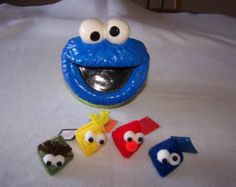 "Sesame Street Elmo, Oscar, Big Bird, Cookie Monster partido a mano Favor/ornamento/etiqueta del regalo ""Apretar mis mejillas"" w/candy KISS! Lona plástica"