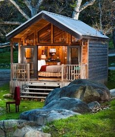 Cabin small house homes tiny cottage. This is a good guest house idea. Tiny Cabins, Cabins And Cottages, Small Cottages, Tiny Cabin Plans, Rustic Cabins, Small Log Cabin, Modern Cabins, Rustic Loft, Rustic Chic