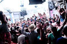 No Standing Only Dancing :) Skandinavian Bars & Disco True Mykonos Nightlife Expierience Since 1978