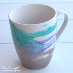 Alcohol Ink Glass, Alcohol Ink Crafts, Alcohol Ink Painting, Alcohol Inks, Aura Cleansing, Painted Cups, Marble Art, Gold Ink, Ceramic Mugs