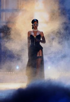 Rihanna Looks, Rihanna Style, Bad Gal, Rihanna Fenty, Gorgeous Women, Beautiful, Style Icons, Victoria, Wonder Woman