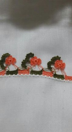 HUZUR SOKAĞI (Yaşamaya Değer Hobiler) Crochet Borders, Crochet Motif, Kare Kare, Needle Lace, Irish Lace, Tatting, Elsa, Needlework, Diy And Crafts
