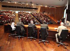 Municípios se reúnem no combate às drogas http://www.passosmgonline.com/index.php/2014-01-22-23-07-47/geral/10432-municipios-se-reunem-no-combate-as-drogas