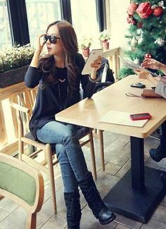 Elegant Round Neck Irregular Hem Loose Fit Long Sleeve Black Color T-Shirt For Women (BLACK,ONE SIZE) | Sammydress.com