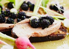 Grilled Chicken Liver Pâté and Blackberry Crostini: Press this chicken-liver mixture through a fine-mesh sieve to yield a creamy, ultrasmooth pâté. Start at least 1 day ahead; the pâté needs to chill overnight. Chicken Liver Pate, Chicken Livers, Grilled Bread, Grilled Chicken, Foie Gras, Charcuterie, How To Make Pate, Apple Coleslaw, Sauces