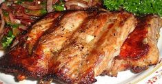 Potrzebne składniki:półtora kilograma - żeberka wieprzowe2 łyżki - koncentrat pomidorowy3 łyżki - miód2 łyżki - olej rzepakowy3 łyżki - sos sojowy3 łyżki - woda4 ząbki - czosnek2 łyżki - oreganostarta skórka cytrynysok cytrynowy1 łyżka - ostra papryka w proszku2 - listki laurowesólSposób przygotowania:1.Pokrojenie żeberek na mniejsze kawałki.2. Przygotowanie marynary z pozostałych składników.3. Wymieszanie żeberek z ...
