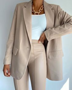 Teen Fashion Outfits, Girly Outfits, Mode Outfits, Classy Outfits, Look Fashion, Trendy Outfits, Trendy Fashion, Korean Fashion, Womens Fashion