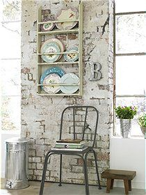 Plate rack and brick wall with patina⭐ Brick In The Wall, Brick And Stone, Brick Walls, Devine Design, Exposed Brick, Modern Kitchen Design, Cottage Style, Cottage Chic, Decoration