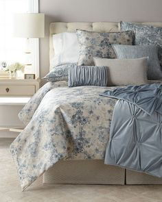 Fino Lino Linen & Lace Blossom Queen Duvet and Matching Items & Matching Items King Duvet Cover Sets, Bed Duvet Covers, Duvet Sets, Duvet Cover Design, Bed Design, Luxury Duvet Covers, Luxury Bedding, Bedroom Images, Bedroom Designs